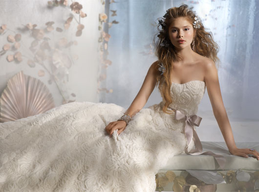 latest-wedding-fashion-trend-dresses-2012