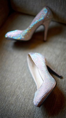 shine-brides-shoes-wedding-trend-2013